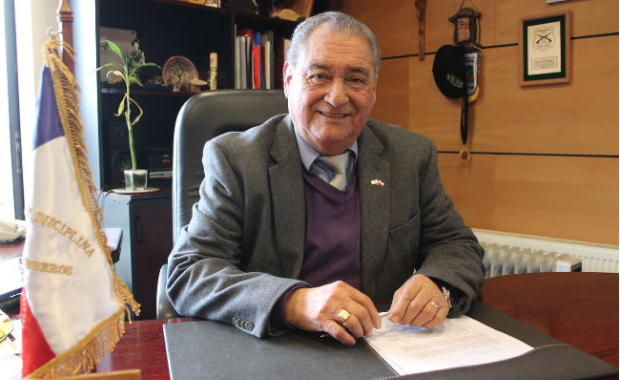 Noticias Chile   Alcalde de Pucón está internado por covid-19; su esposa padece la misma condición, pero con ventilación mecánica