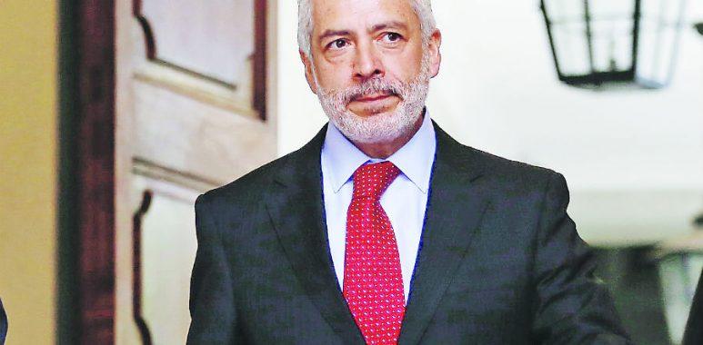 Noticias Chile | Tribunal Constitucional deja sin efecto grave infracción sanitaria del secretario del Senado Raul Guzmán en plena pandemia