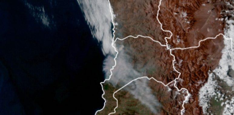 Noticias Chile | Violento Incendio forestal en Quilpué consume viviendas y el humo llegó a Santiago