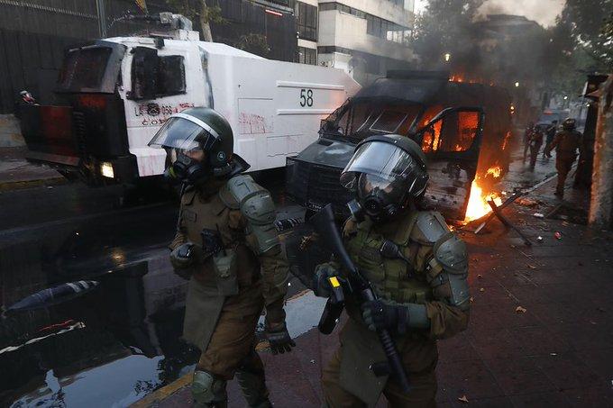 Noticias Chile | Ingeniero quedó en prisión preventiva luego de lanzar bombas molotov a Carabineros