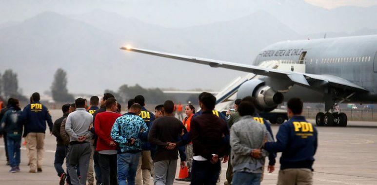 Noticias Chile | Gobierno comienza masiva expulsión de inmigrantes ilegales en el norte de nuestro país