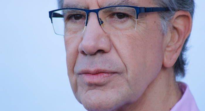 Noticias Chile | Alcalde Lavín entregará toallas higiénicas y tampones a colegios vulnerables