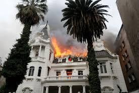 Noticias Chile | Condenan a cinco años de cárcel a delincuente que quemó la  Casa Schneider