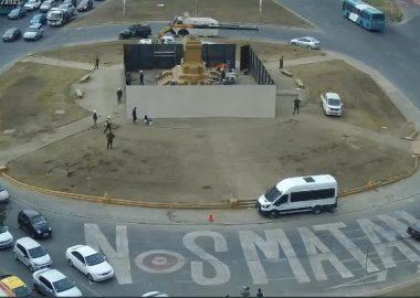 Termina protección al monumento Baquedano, estructura resiste el golpe de un vehículo a una velocidad de 80 km/h.