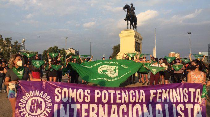 Noticias Chile | Confirman la huelga feminista este 8 de marzo, llaman a apagar la cocina entre las 11 y 15 horas