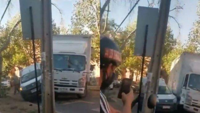 Noticias Chile | Día de locura: Chocó, intento atropellar a conductor y botó un poste