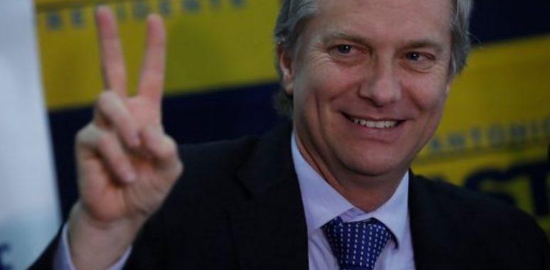 Noticias Chile | José Antonio Kast es hospitalizado por neumonía producida por el covid-19