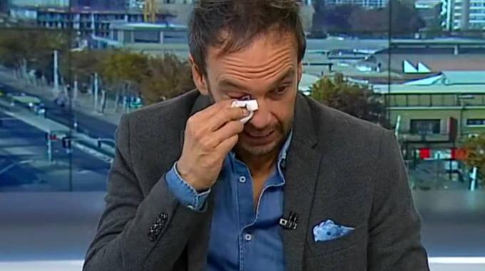 Rodrigo Sepúlveda llora de la emoción en pantalla por conmemoración del Día de La Madre